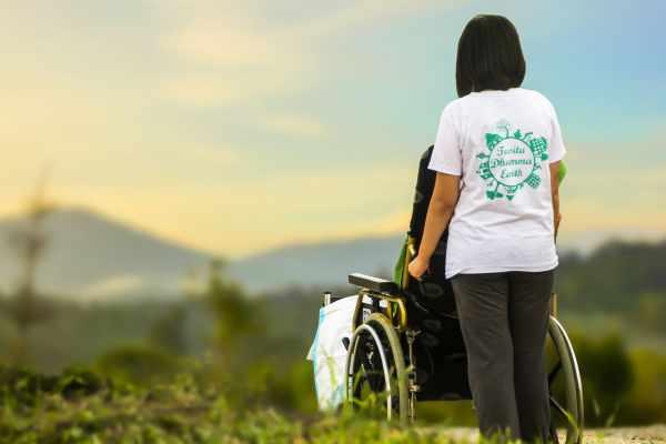 Travel Nurse Salary and Job Role During Coronavirus Pandemic